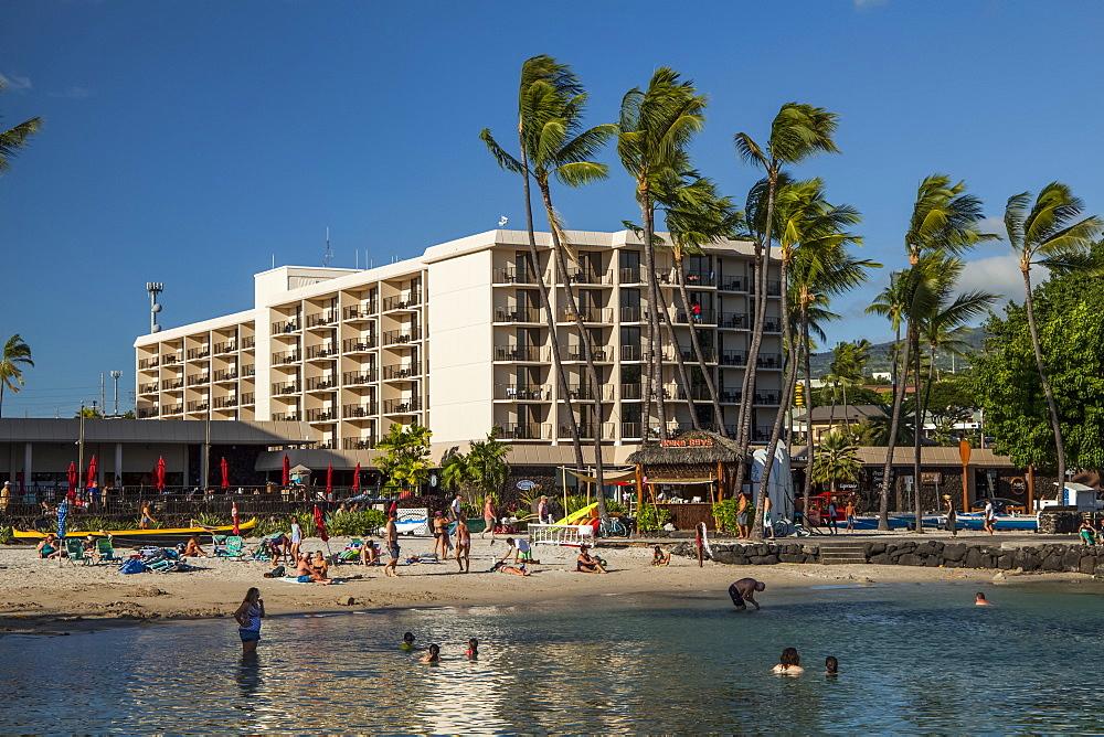 Tourists at King Kamehameha Hotel, Kailua-Kona, Island of Hawaii, Hawaii, United States of America
