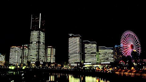Light-up of the Skyline of Minato Mirai 21 with Cosmo World Ferries Wheel Time Lapse