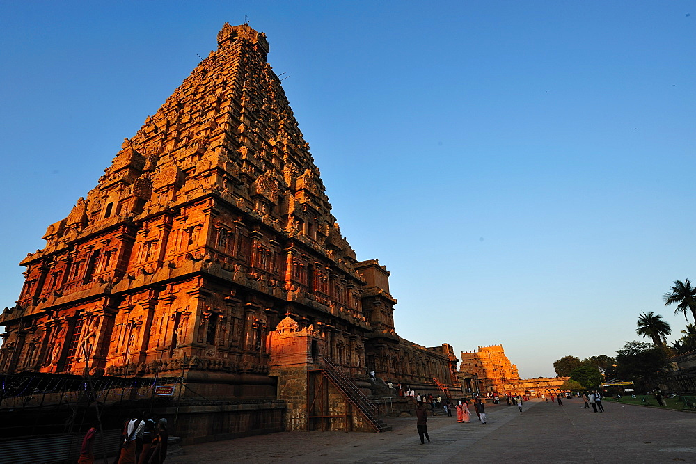 Brihadeshwara Temple (Brihadisvara Temple) complex, UNESCO World Heritage Site, Thanjavur (Tanjore), Tamil Nadu, India, Asia  - 1125-95