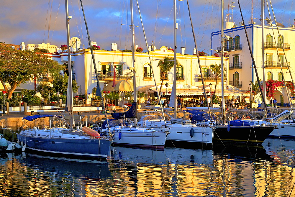 Harbour at Puerto de Morgan, Gran Canaria, Canary Islands, Spain, Atlantic Ocean, Europe