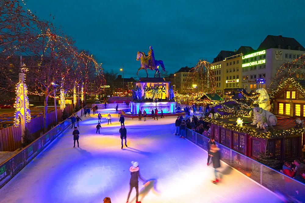 Skating, Cologne Christmas Market, Cologne, Germany, Europe - 1126-1734