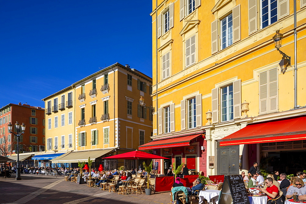 Restaurants in Cours Saleya, Nice, Alpes-Maritimes, Cote d'Azur, French Riviera, Provence, France, Mediterranean, Europe