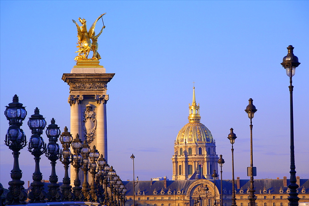 Pont Alexandre III with Chapel of Saint-Louis-des-Invalides in the background, Paris, France, Europe