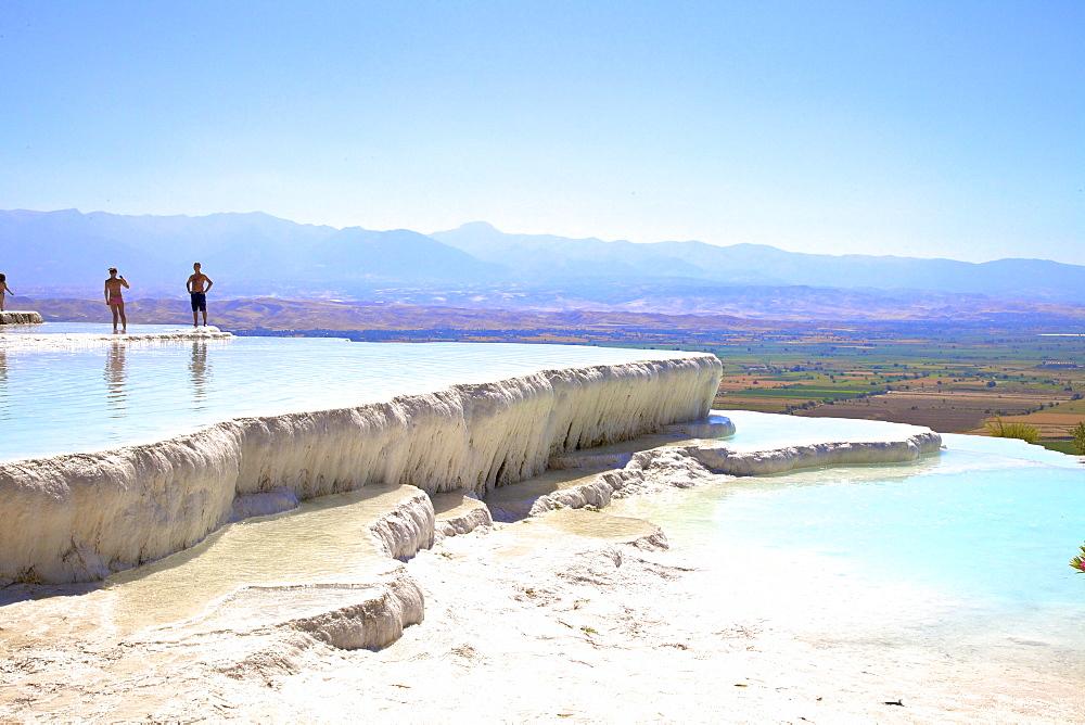 White travertine terraces at Pamukkale, UNESCO World Heritage Site, Anatolia, Turkey, Asia Minor, Eurasia