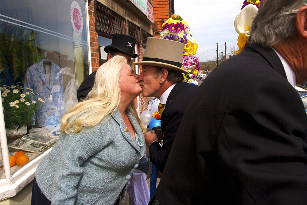 Tutti Man giving the traditional kiss, Tutti Day, traditional annual Hocktide Festival, Hungerford, Berkshire, England, United Kingdom, Europe