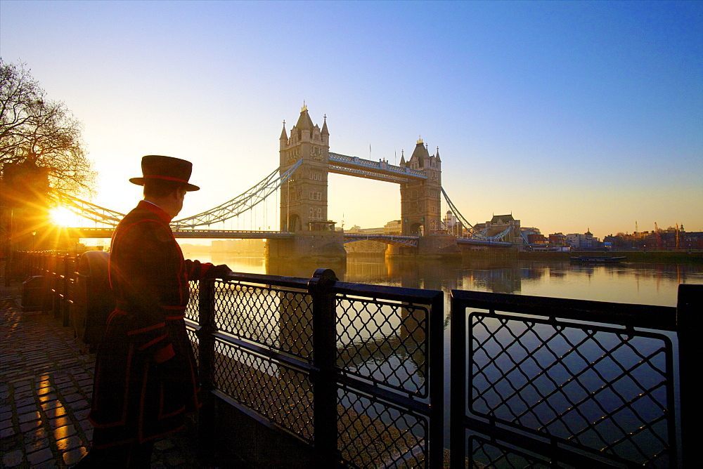 Beefeater and Tower Bridge, London, England, United Kingdom, Europe - 1126-703