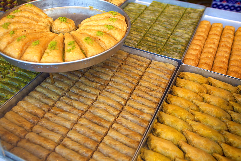 Baklava shop, Istanbul, Turkey, Europe  - 1126-744