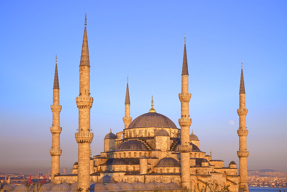 Blue Mosque (Sultan Ahmet Camii), UNESCO World Heritage Site, Istanbul, Turkey, Europe