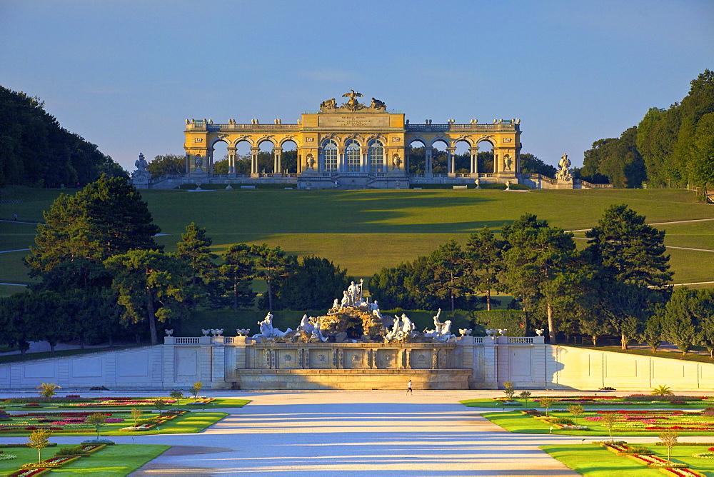 Gloriette and French Garden, Schonbrunn Palace, UNESCO World Heritage Site, Vienna, Austria, Europe