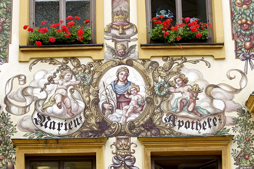 Paintings on Pharmacy, Traunstein, Bavaria, Germany / Marien-Apotheke