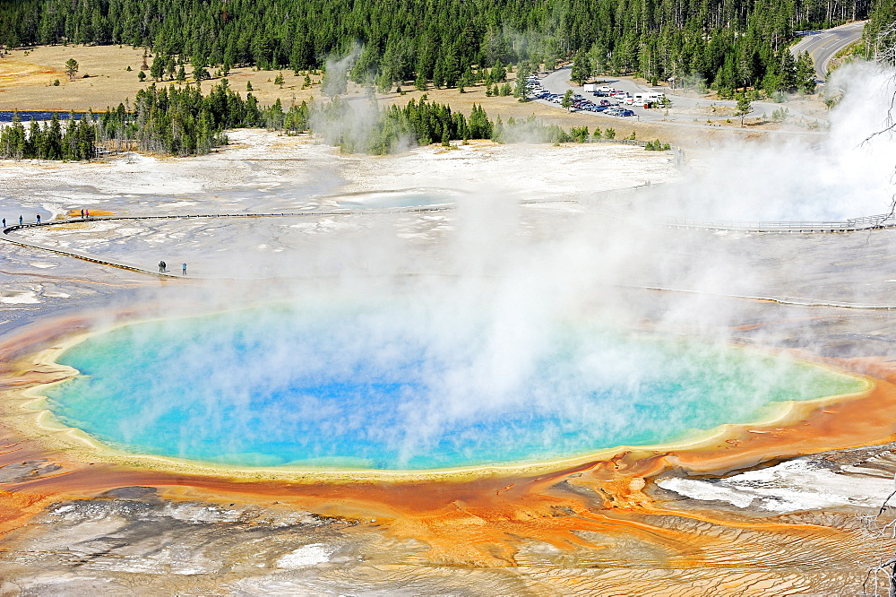 Hot Spring 'Grand Prismatic Spring', Midway Geyser Basin, Yellowstone national park, USA