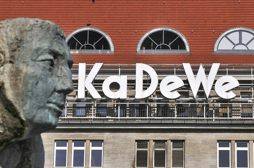 Kaufhaus des Westens, Lebensalterbrunnen, Wittenbergplatz, Schoneberg, Berlin, Germany / KaDeWe, Department Store of the West, Sch?neberg - 1127-17387