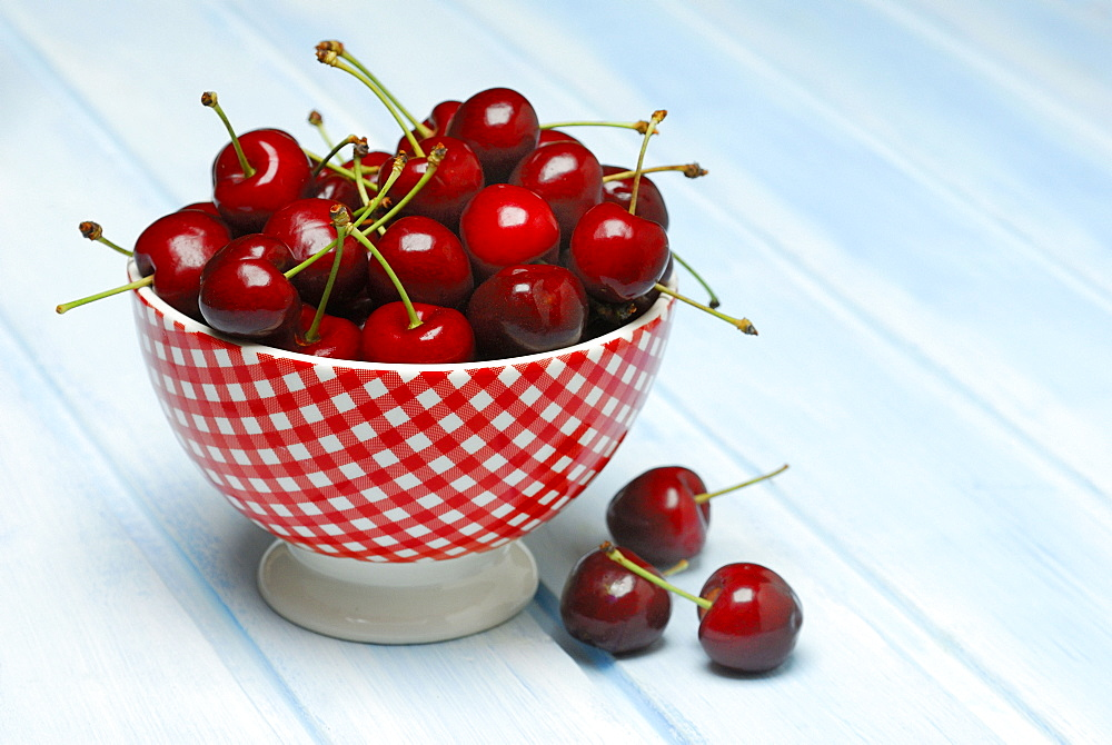 Sweet Cherries in bowl