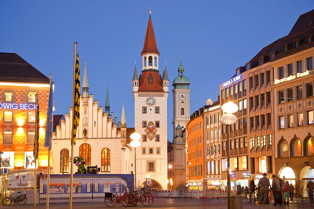 Marienplatz and Altes Rathaus, old townhall, Munich, Bavaria, Germany