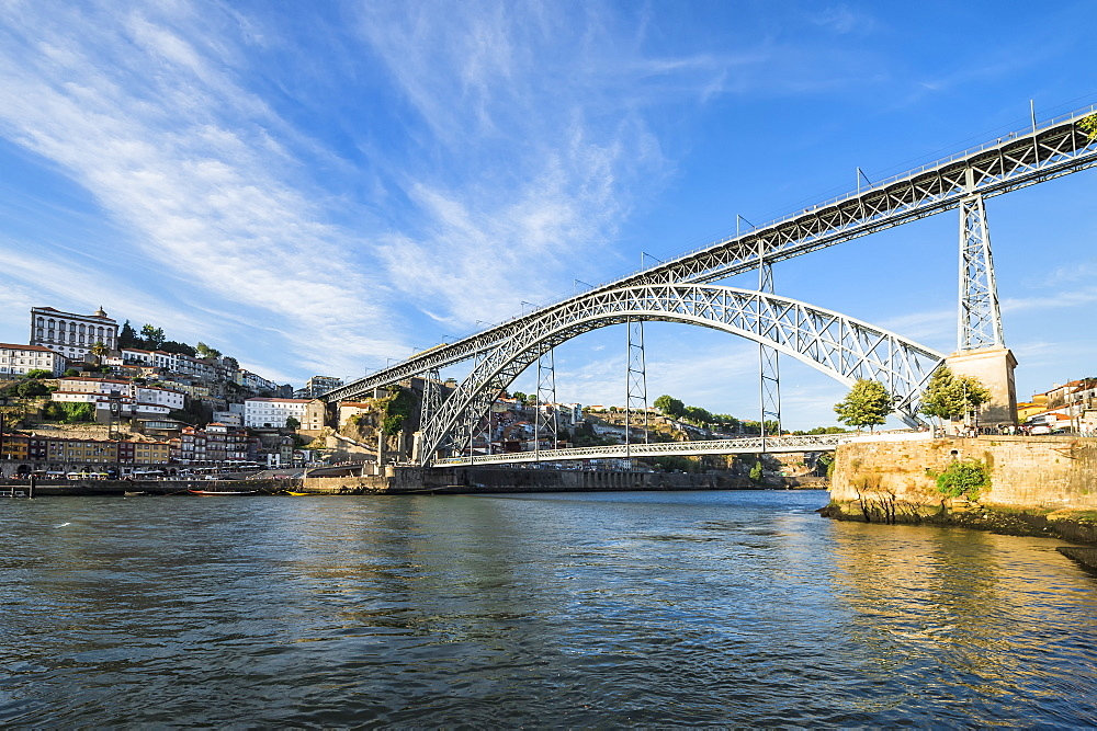 Ponte Dom Luis I Bridge over the Douro river, Oporto, Portugal,