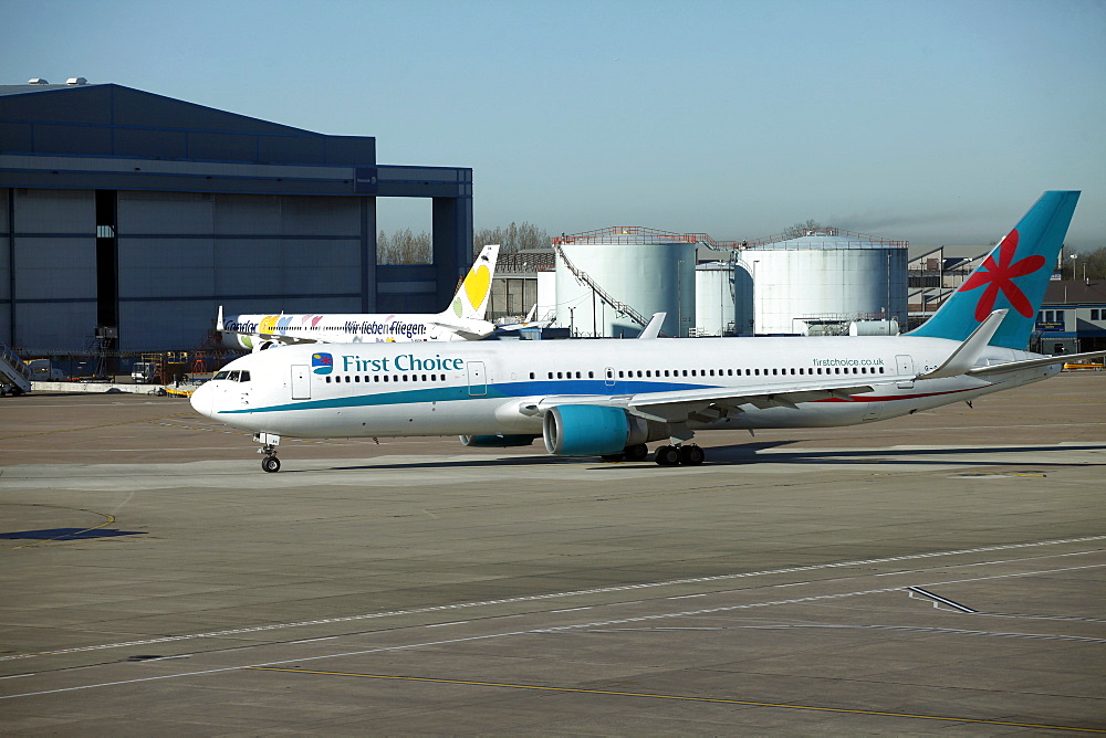 First Choice Holidays aircraft, Terminal 1, Airport, Manchester, England, United Kingdom, Europe