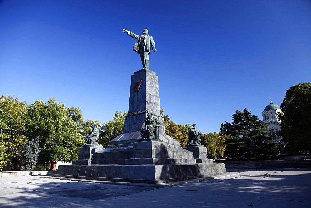Lenin Statue and Monument, Sevastopol, Crimea, Ukraine, Europe