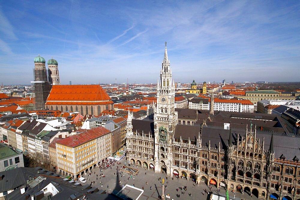 Frauenkirche and New City Hall (Neues Rathaus), Munich, Bavaria, Germany, Europe