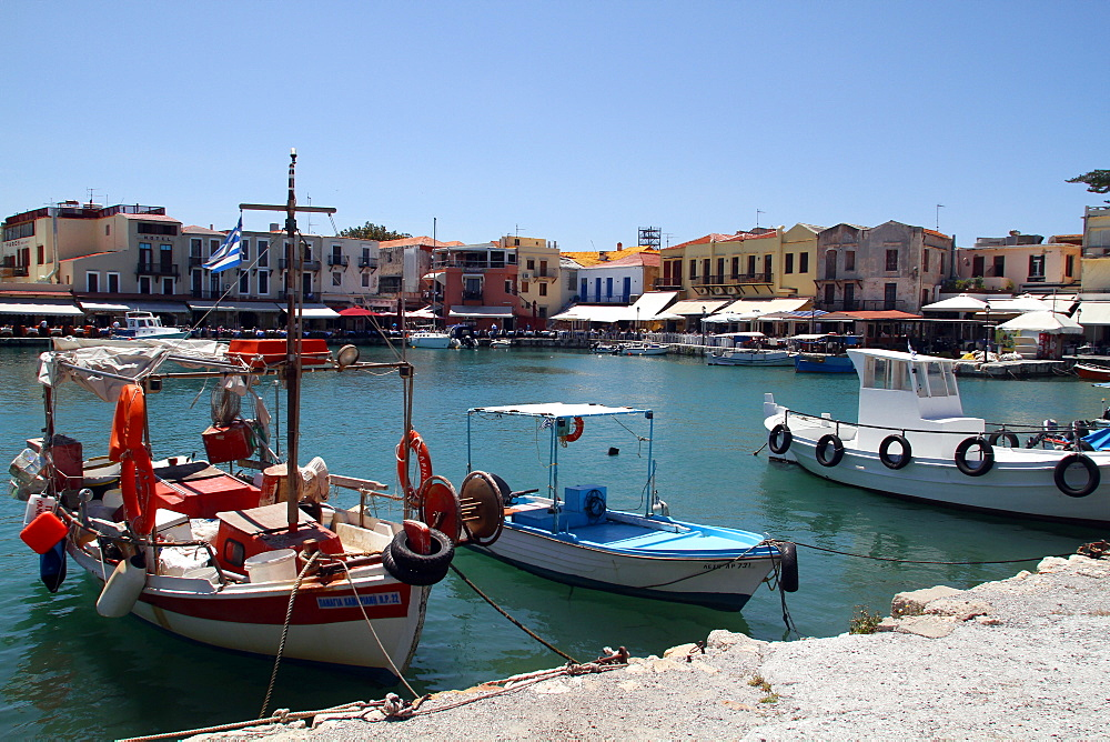 Harbour buildings and fishing boats, Rethymnon, Crete, Greek Islands, Greece, Europe