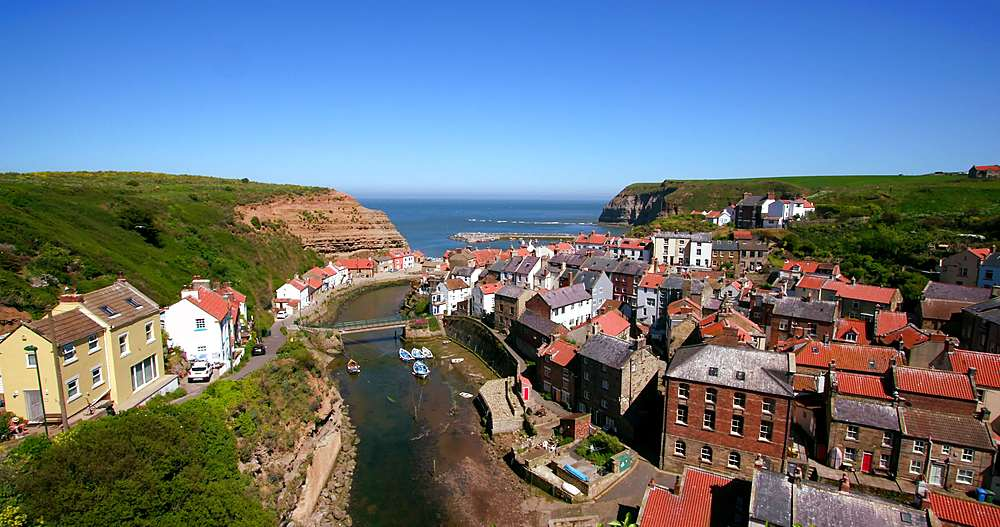 Clifftop view of staithes & harbour - 1130-6415