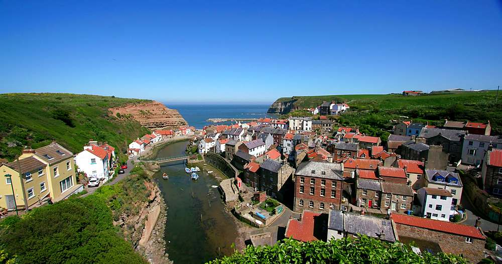 Clifftop view of staithes & harbour - 1130-6417