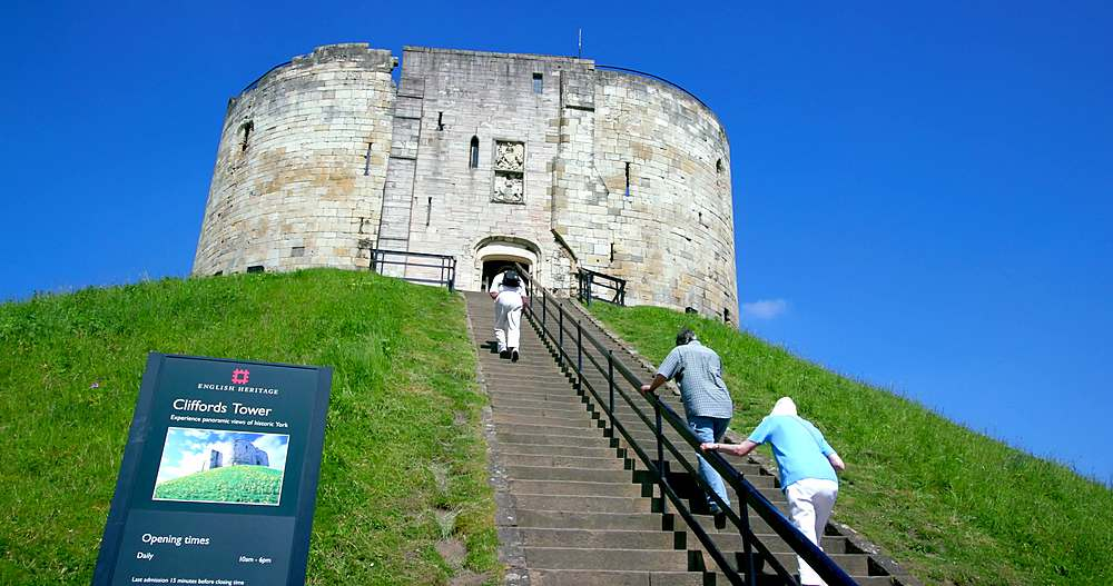 Clifford's tower, york city centre, York, North Yorkshire, United Kingdom - 1130-6431