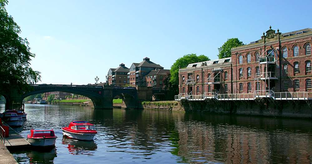 Pleasure boat on river ouse & skeldergate bridge, york city centre, York, North Yorkshire, United Kingdom - 1130-6461