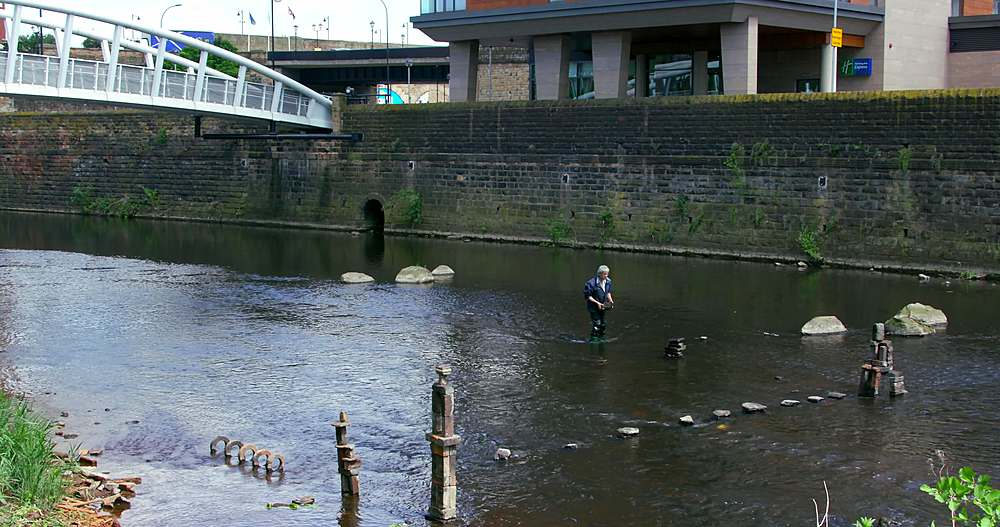 River Artist Dan, River Don, Sheffield - 1130-6467