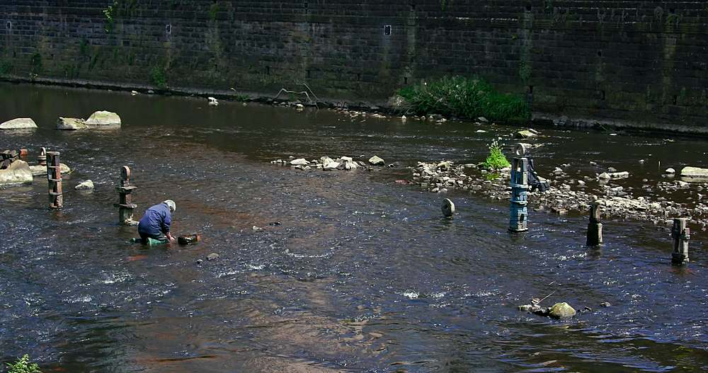 River Artist Dan, River Don, Sheffield - 1130-6474
