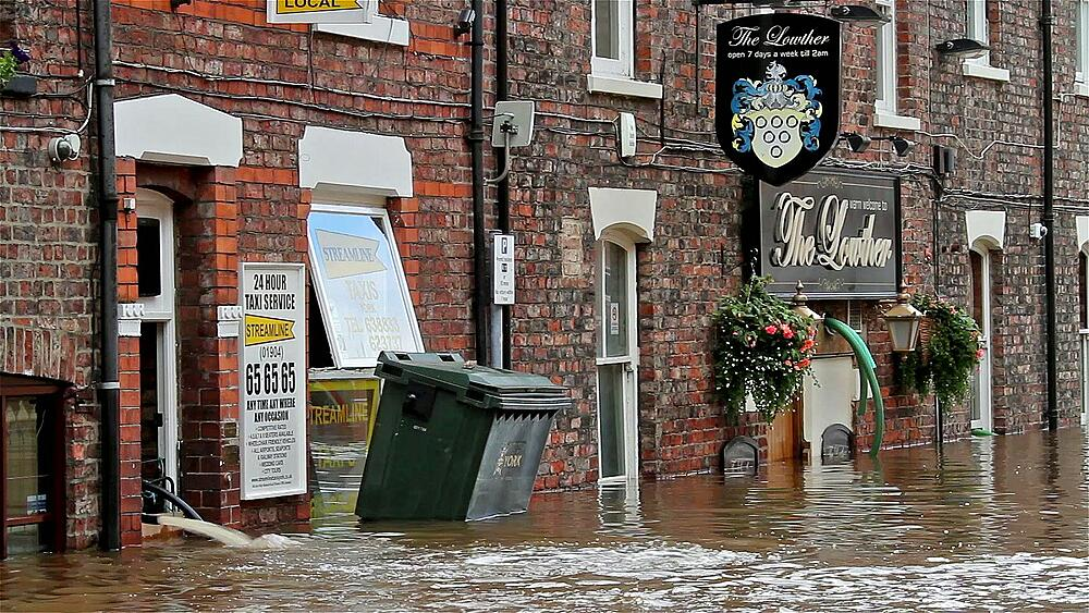 Wheelie Bin And Other Debris Float Past The Lowther Pub, City Of York - 1130-871