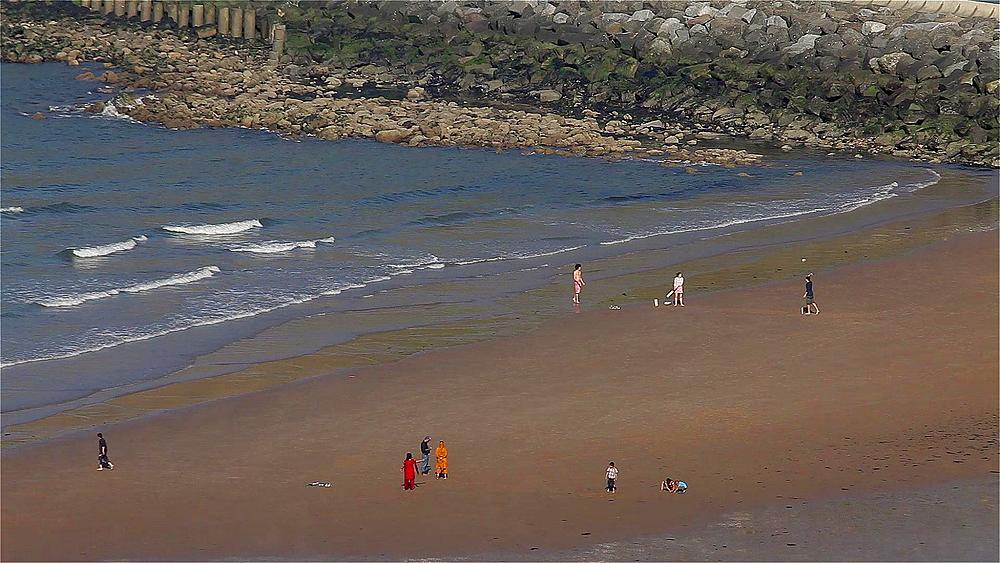 Children Playing On North Bay Beach, Scarborough, North Yorkshire, England