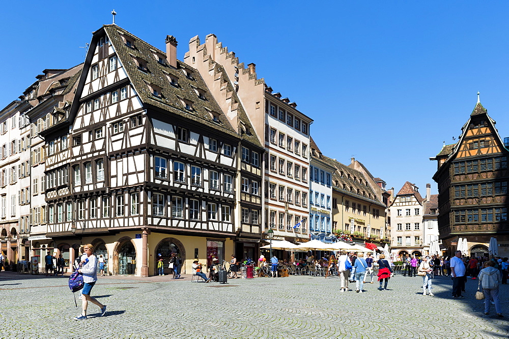 Cathedral plaza, Strasbourg, Alsace, Bas-Rhin Department, France, Europe - 1131-1039