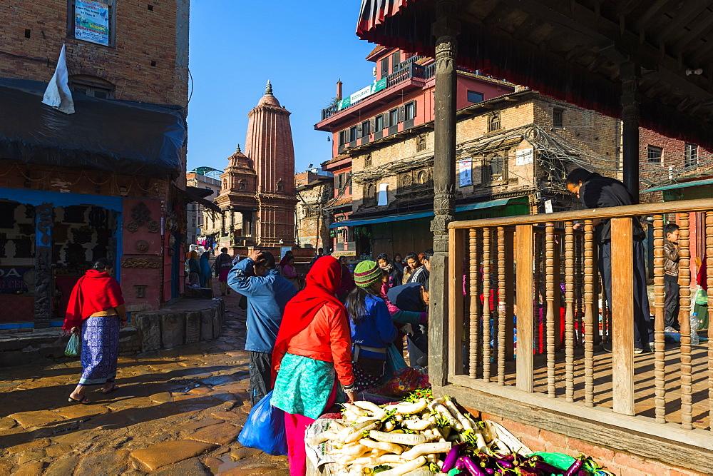 Street Market near Taumadhi Tole square, Bhaktapur, Nepal, Asia