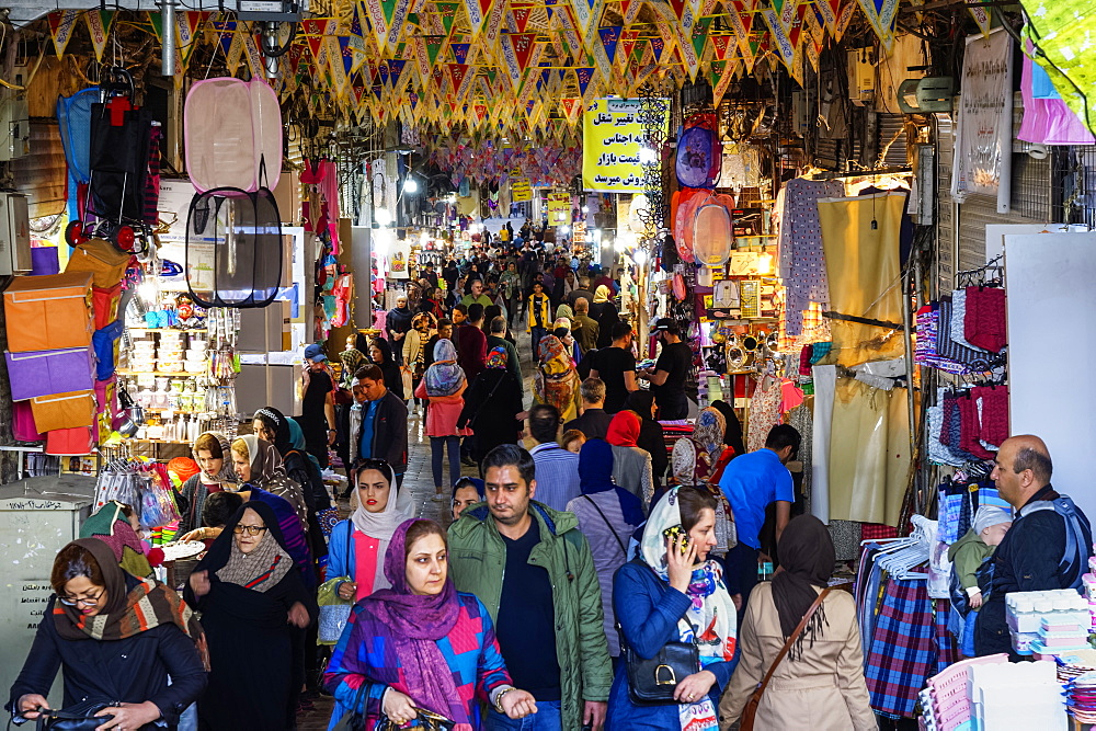 Crowded alley with shops, Tehran bazaar, Tehran, Islamic Republic of Iran, Middle East