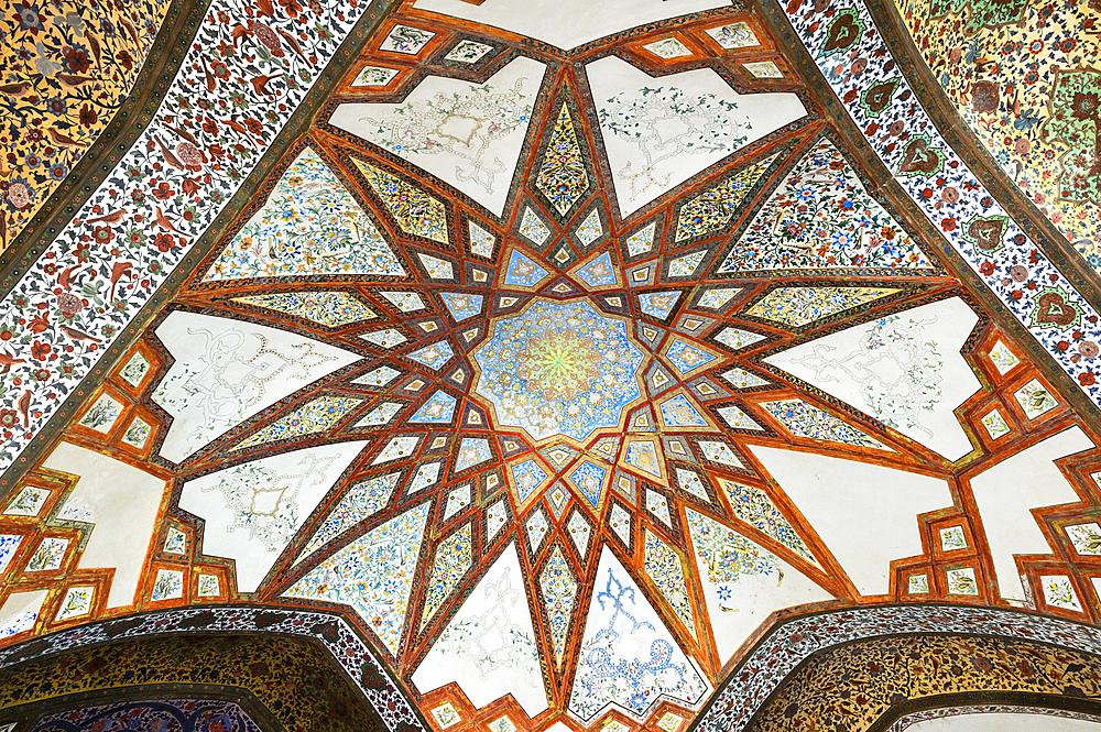 Fin Garden, Kushak pavilion, detail of the ceiling, UNESCO World Heritage Site, Kashan, Isfahan Province, Islamic Republic of Iran, Middle East - 1131-1281