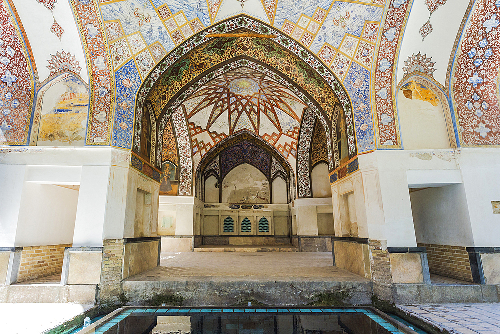 Fin Garden, Kushak pavilion, detail of the ceiling, UNESCO World Heritage Site, Kashan, Isfahan Province, Islamic Republic of Iran, Middle East - 1131-1282