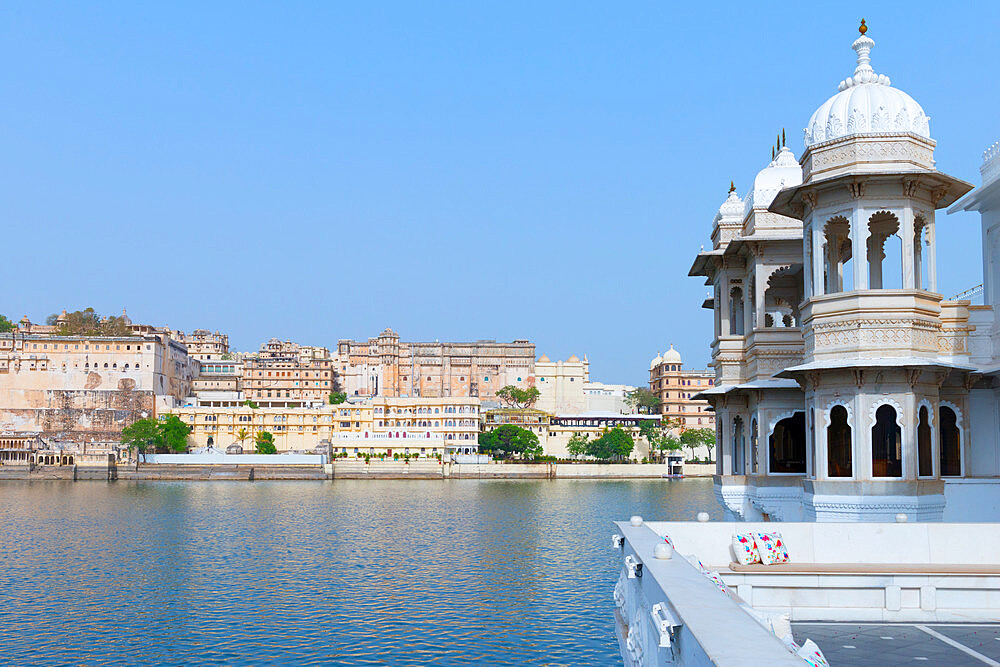 City Palace and lake Pichola, Udaipur, Rajasthan, India - 1131-1309