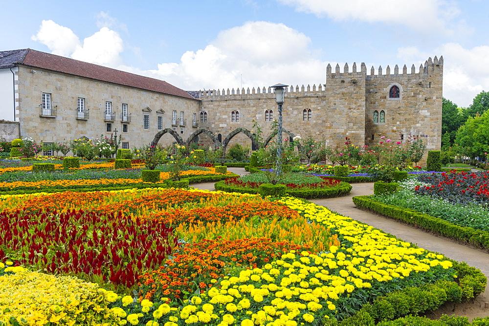 Santa Barbara garden near the walls of the Old Palace of the Archbishops, Braga, Minho, Portugal, Europe - 1131-1442