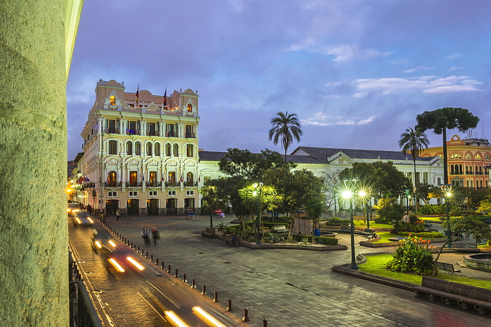Independence Square at sunset, Quito, UNESCO World Heritage Site, Pichincha Province, Ecuador, South America