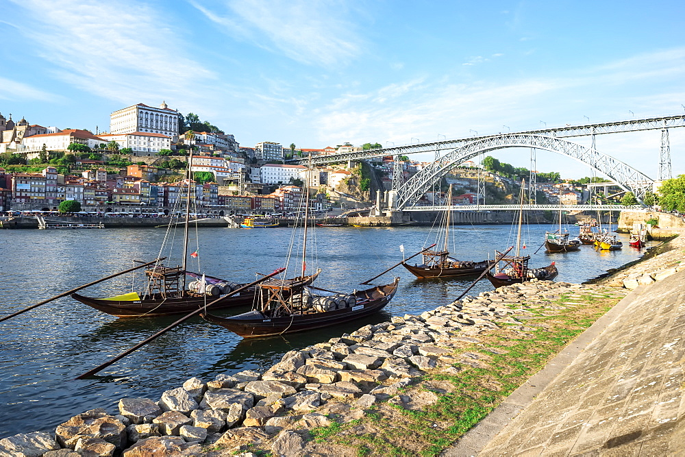 Ponte Dom Luis I Bridge over the Douro River, UNESCO World Heritage Site, Oporto, Portugal, Europe