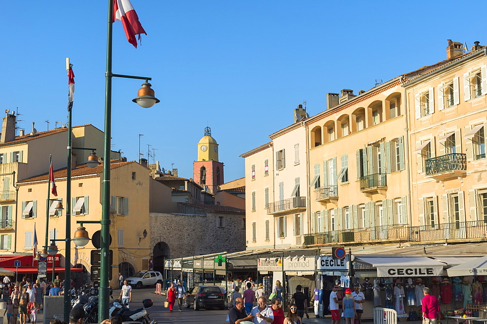 Quay Peri and Notre-Dame de L'Assomption Church, St. Tropez, Var, Provence Alpes Cote d'Azur region, French Riviera, France, Europe