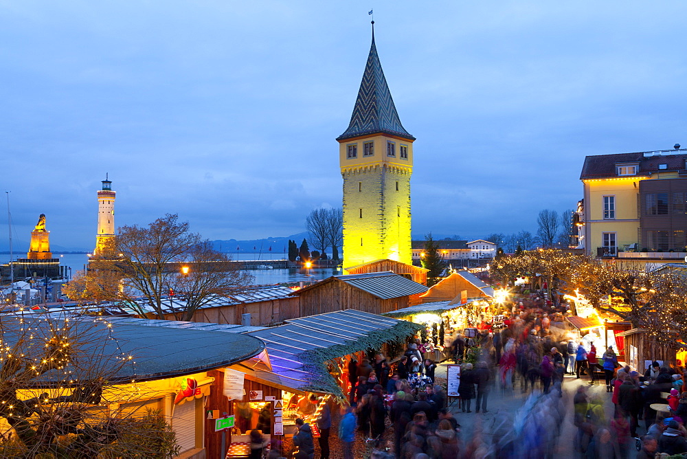 Christmas Market along Lindau's Historic Port, Lindau im Bodensee, Germany, Europe