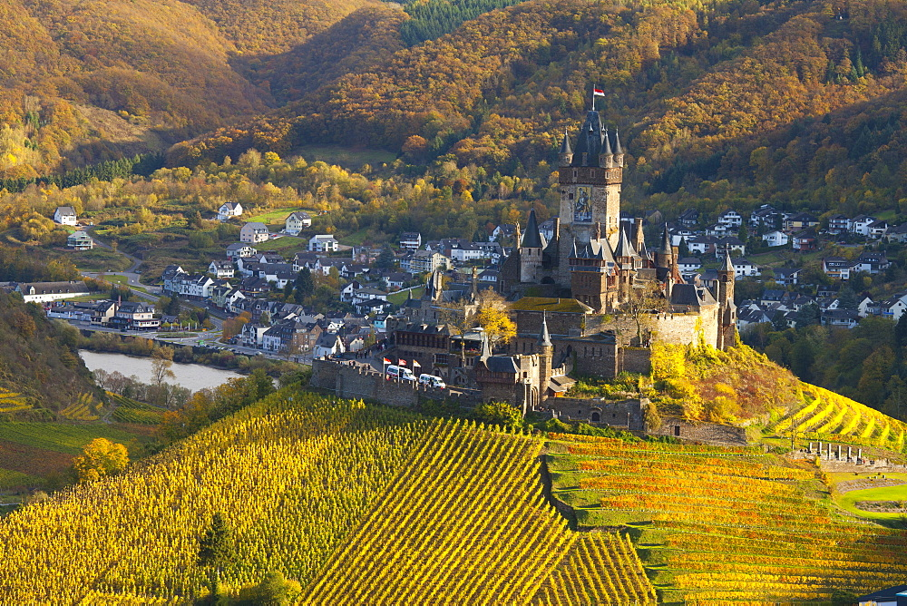 View over Cochem Castle and the Mosel River Valley in autumn, Cochem, Rheinland-Pfalz (Rhineland-Palatinate), Germany, Europe
