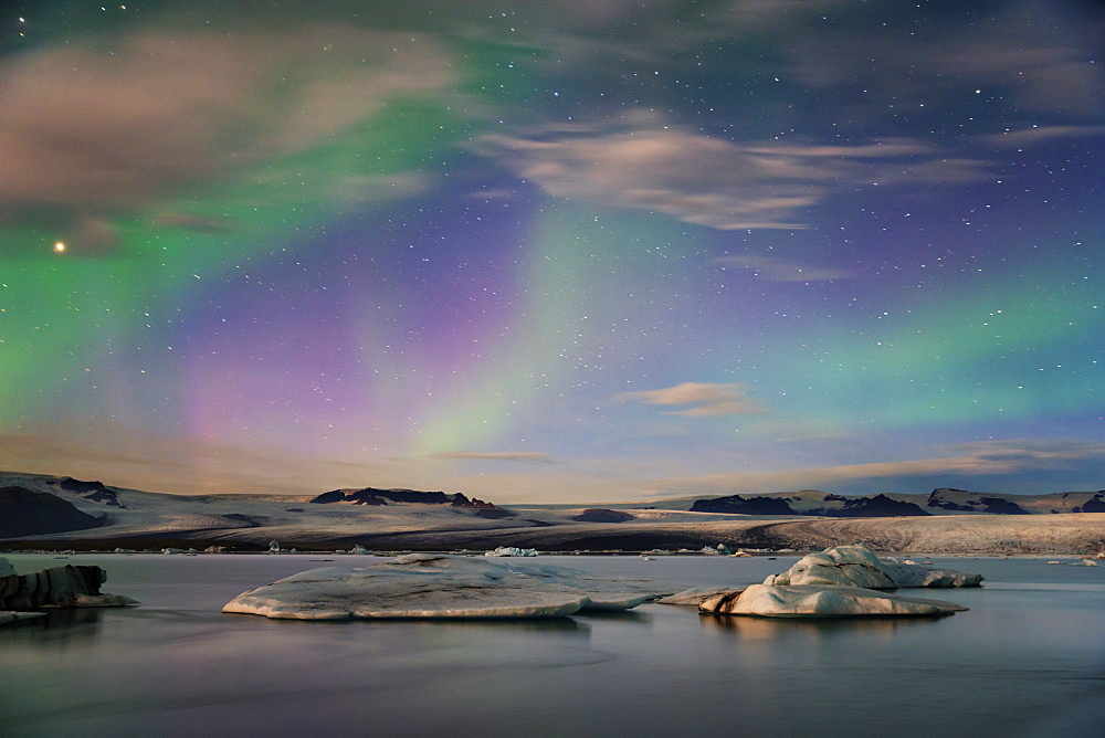 Aurora borealis (Northern Lights) over Jokulsarlon Glacial Lagoon, Iceland, Polar Regions
