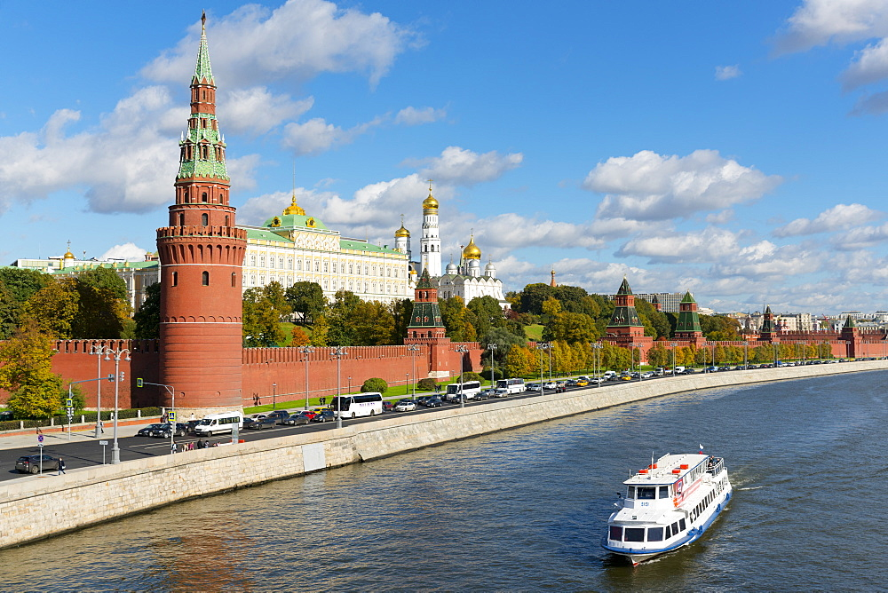 View of the Kremlin, UNESCO World Heritage Site, on the banks of the Moscow River, Moscow, Russia, Europe