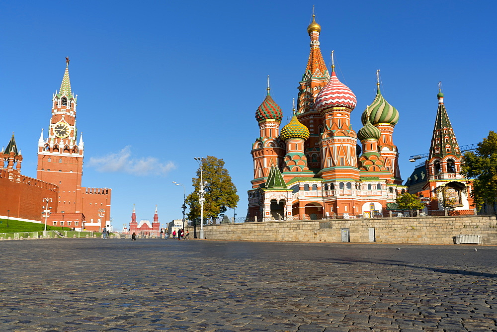 Red Square, Saint Basil's Cathedral and the Saviour's Tower of the Kremlin, Moscow, Russian Federation