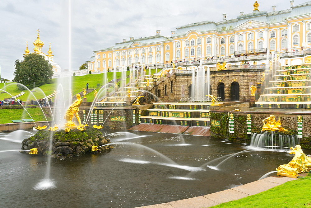 The Grand Cascade in front of the Grand Palace, Peterhof, UNESCO World Heritage Site, near St. Petersburg, Russia, Europe