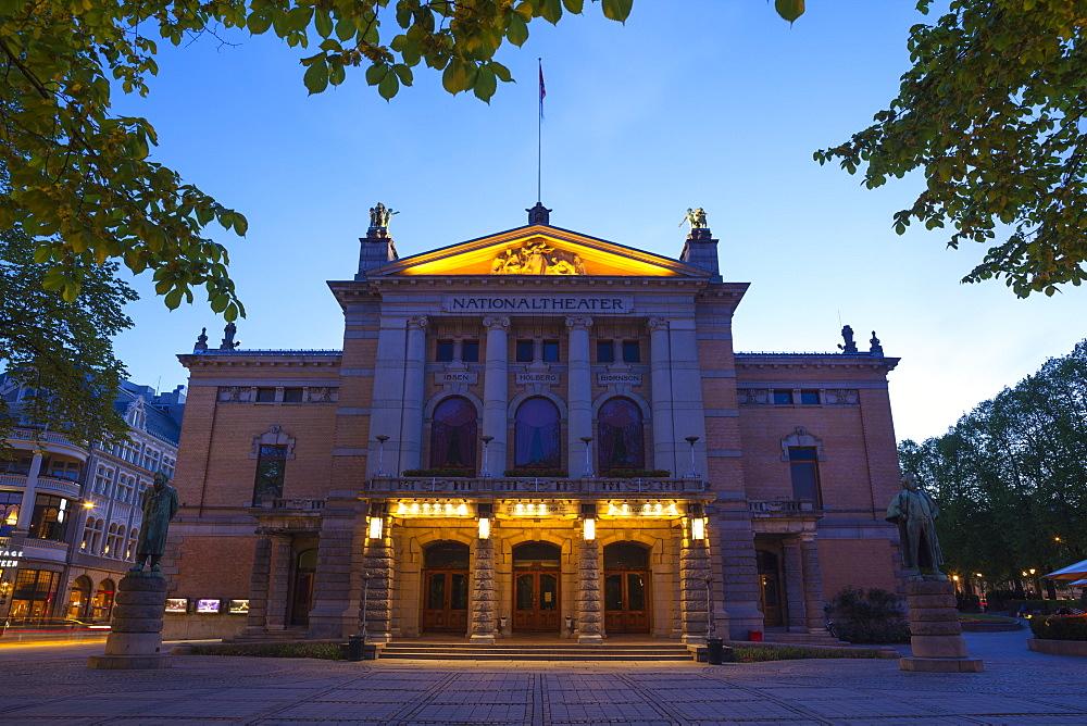 National Theatre illuminated at dusk, Oslo, Norway, Scandinavia, Europe