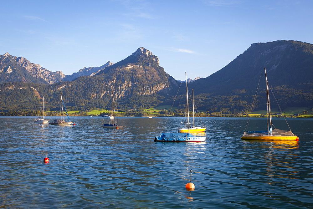 Yachts on Wolfgangsee lake, Flachgau, Salzburg, Upper Austria, Austria, Europe - 1158-398