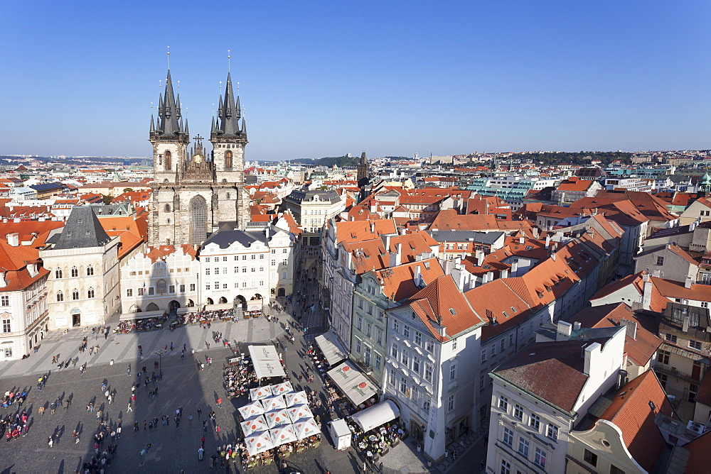 View over the Old Town Square (Staromestske namesti) with Tyn Cathedral and street cafes, Prague, Czech Republic, Europe